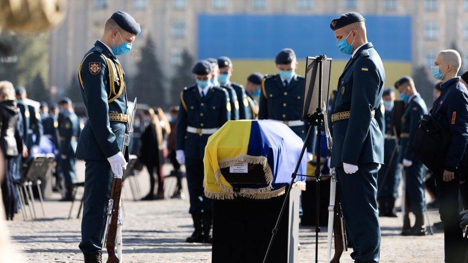 Зеленський відзначив медалями загиблих в Ан-26 та курсанта, який вижив