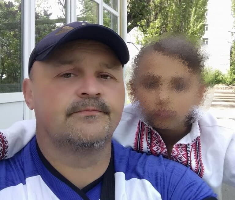 12-річний Павло разом зі своїм батьком Ігорем.